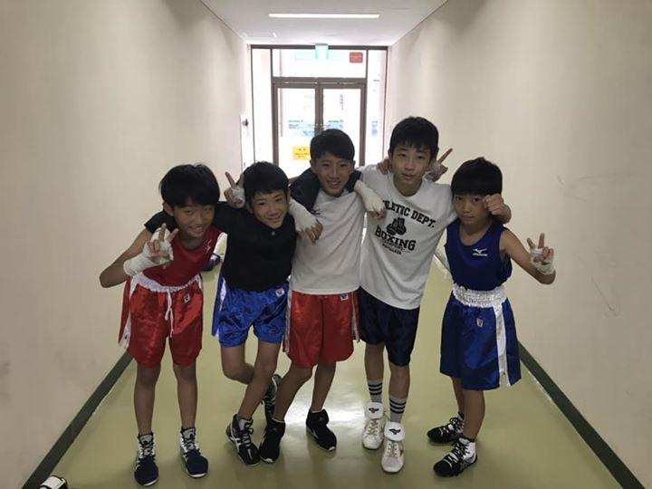 今まで試合にならない子が最後の判定まで来て勝つというストーリーは最高ですね!この試合の為に練習してきたことを思い出して、明日も堂々と戦って欲しいですね。