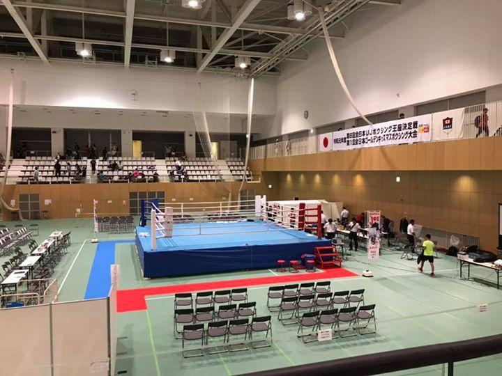 今日、東京でアンダージュニア全国大会に出場した、Kさん、ダウンを取り、優勢と思いきやダウンを取られの素晴らしい戦いでしたが、惜しくも負けとなりました。
